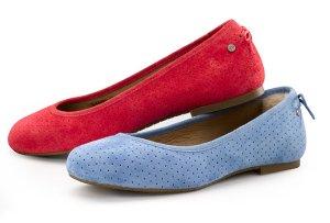 $55(原价$110)+免邮!UGG防水麂皮平底鞋2色热卖