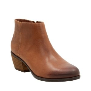 Gelata Italia Tan Nubuck - Women's Booties & Ankle Boots - Clarks® Shoes Official Site