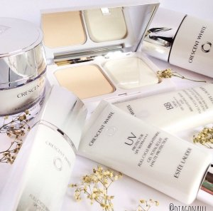 Free Gifts CRESCENT WHITE COLLECTION @ Estee Lauder