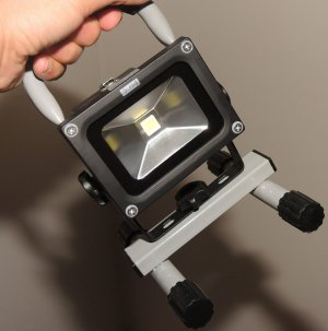 LOFTEK 10W LED Work Light, Rechargeable&Portable, 900lm, 8800mAh