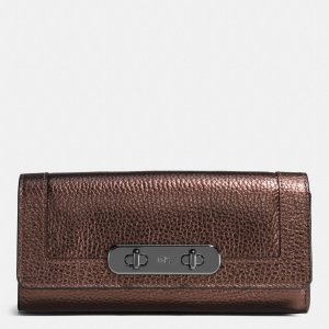 COACH: Swagger Slim Envelope Wallet In Pebble Leather