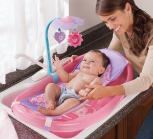Summer Infant Sparkle Fun Newborn-to-Toddler Baby Tub with Toy Bar, Pink