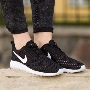 $37.47 NIKE ROSHE ONE FLIGHT WEIGHT BR On Sale @ Nike.com