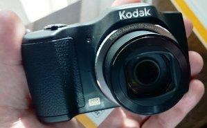 $129.99 Kodak PIXPRO FZ201 16 MP w/ 20X Optical Zoom Compact Digital Camera (Red)