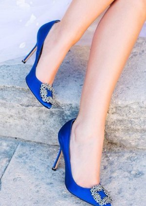 Extended 1 Day! Up to a $300 Gift Card with Regular Priced MANOLO BLAHNIK Hangisi Purchase