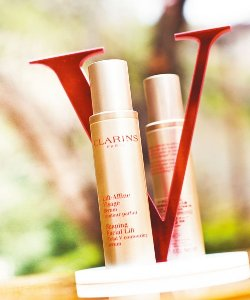 £37.99(原价£54) Clarins Shaping Facial Lift Total V-contouring Serum 50ml(1.7oz)