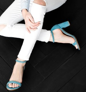 Up to 50% Off Stuart Weitzman Women Shoes Sale @ Bloomingdales