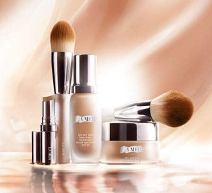 Free 3 Deluxe Samples + Free Shipping with Any Online Purchase @ La Mer