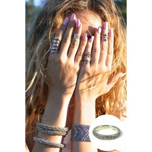 SunaharA Malibu Crown Midi Ring in Silver