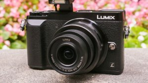 $697.99(原价$797.99)Panasonic Lumix DMC-GX85 + 12-32mm和45-150mm套头 + $100 礼卡