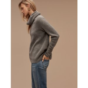 Plutarch Sweater