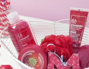 40% Off Strawberry Collection @ The Body Shop