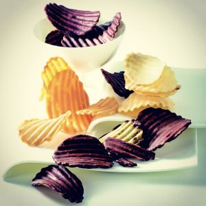 10% Off + Delivery from Japan Royce Potatochip Chocolate, Multiple Flavors @ HOMMI