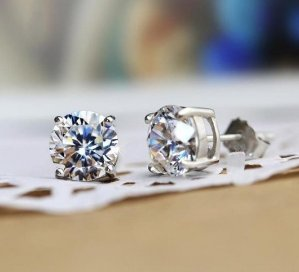 From $6.79 Lightning deal! Freeman Jewels Sterling Silver Rhodium Plated Round Cut Cubic Zirconia Stud Earrings for Girls