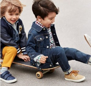 Extra 50% Off Sale + 35% Off RegHuge Kids and Baby Apparel Sale @ Gap.com