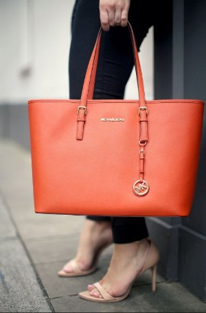 Up to 70% Off With MICHAEL Michael Kors Tote @ Michael Kors