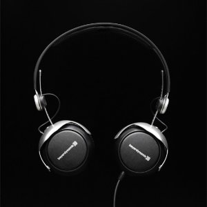 $119.99 Beyerdynamic DT 1350 Closed Supra-Aural Dynamic Headphone