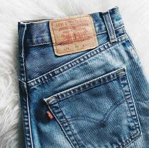 Extra 40% off Sitewide @ Levis