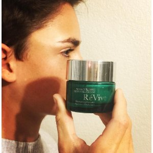 RÉVIVE