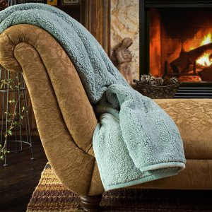 Start! $9.98Member's Mark Oversized Cozy Throw (Assorted Colors)