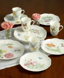 Lenox Butterfly Meadow 18-Piece Dinnerware Set, Service for 6 @ Amazon