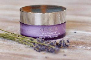 Free 7-pc Gift Set with any $27 Clinique Take the Day Off Purchase @ macys.com