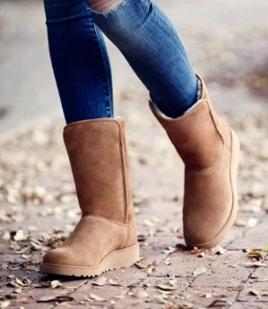 Up to 33% Off UGG Women Shoes Sale @ Nordstrom
