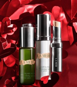 a deluxe sample of The NEW Revitalizing Hydrating SerumWith any purchase  @ La Mer