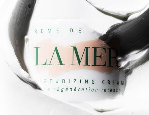 Free Cleansing Foam Sample (1oz) + 2 Deluxe Samples with any Orders @ La Mer