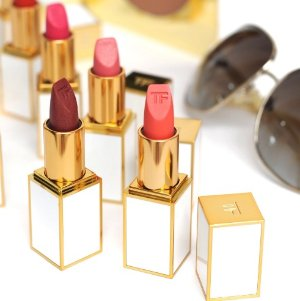 Earn Up to a $700 Gift Card TOM FORD Beauty On Sale @Saks Fifth Avenue