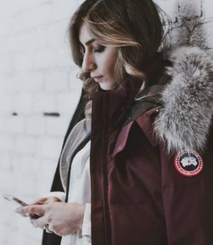 Earn Up to a $900 Gift Card with Canada Goose Women Outwear Purchase @ Saks Fifth Avenue