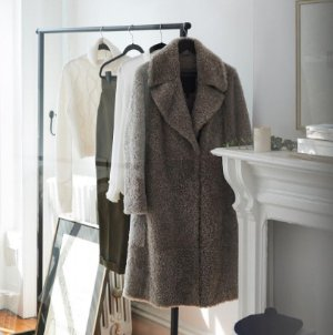 30% OffMen's and Women's Coats and Men's Sweaters @ Club Monaco