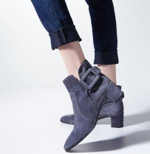 Up to 40% Off Boots and booties @ Bergdorf Goodman