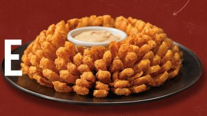 FREEBLOOMIN' Onion @ Outback
