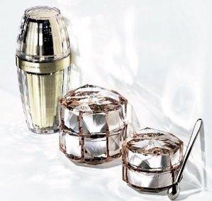 Receive 2 Gifts with $350 Clé de Peau Beauté Purchase @ Nordstrom