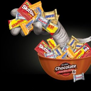 $15.96 MARS Chocolate Favorites Halloween Candy Bars Variety Bag (250-Piece)