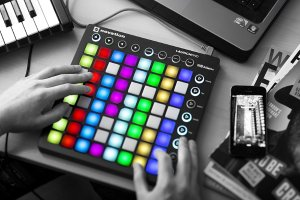听说你玩音乐?$119.99Novation Launchpad USB Midi 控制板