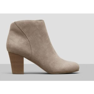 FREE TIME ANKLE BOOTIE
