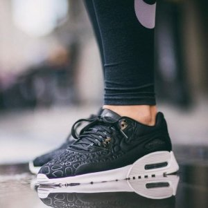 $75.97 NIKE AIR MAX 1 ULTRA PLUSH WOMEN'S SHOE @ Nike Store