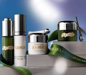 Receive a complete 4 -piece small miracles collectionWith any $300 purchase  @ La Mer