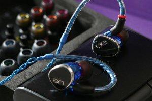 Logitech UE900s Earphones + FiiO A3 Amp.
