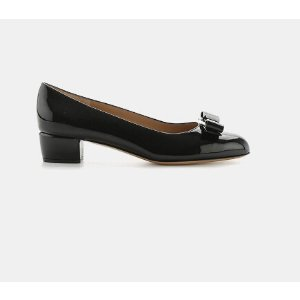 Salvatore Ferragamo Vara Patent Bow Pump Pumps | ELEVTD Free Shipping & Returns