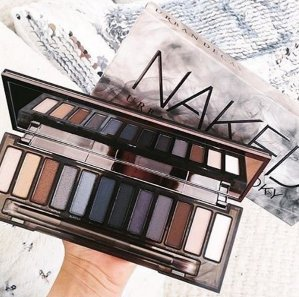 Up to 9-pc Gift with Urban Decay @ Nordstrom