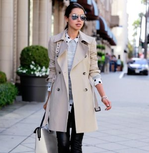 Earn Up to a $900 Gift Card with Burberry Trench Coat Purchase @ Saks Fifth Avenue