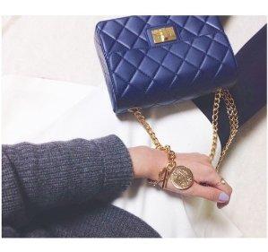 10% off DESIGNINVERSO Handbags On Sale @ Farfetch