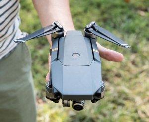 $949.05DJI - Mavic Pro Quadcopter with Remote Controller - Gray