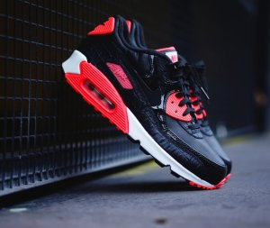 10% Off with Orders over $50 @ Foot Locker