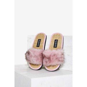 Say The Sun Pop Faux Fur Slide Sandal - Pink