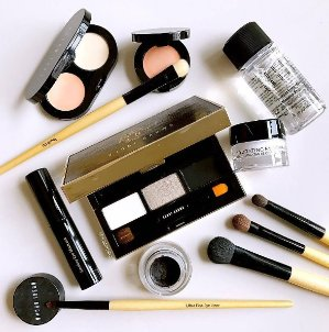 25% OffSelect Holiday Gifts @ Bobbi Brown Cosmetics