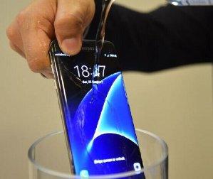 Samsung Galaxy S7 DUOS 32GB Unlocked GSM Octa-Core 4G LTE 5.1